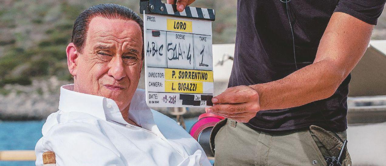 Toni Servillo nei panni di Berlusconi